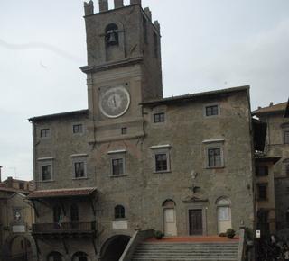 Visita Cortona con noi  Hotel