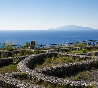 Damecuta: Roman villa ruins overlooking the sea Hotel