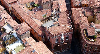 Bologna hotels boutique hotels and luxury resorts for Hotel idea bologna