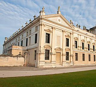 Venetian Villas Hotel