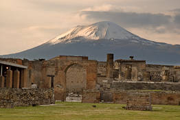 Day trips to Pompeii, Herculaneum, and Mount Vesuvius