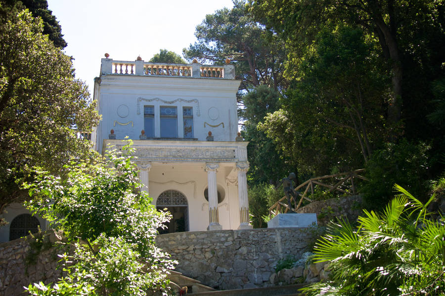 The villas of tiberius capri for Villa capri