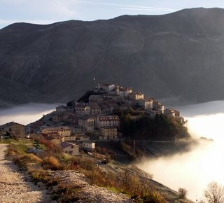 La Valnerina, from the Marmore falls to Norcia Hotel
