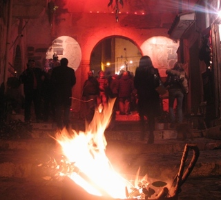 It burns ... The winter comes the spring! The Fest Hotel