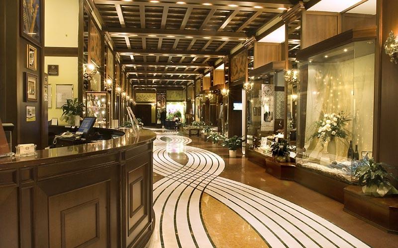 Grand hotel trento trento e 37 hotel selezionati nei for Arredo hotel trento