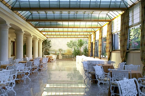 Grand hotel bristol stresa lake maggiore italy - See The Photos Of Hotels In Italy
