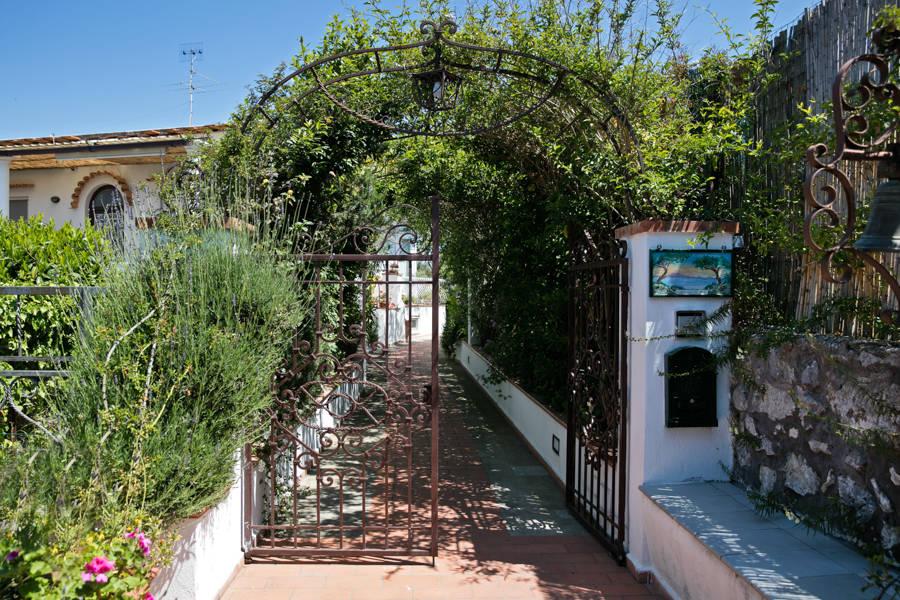 Il giardino dell 39 arte capri prezzi e disponibilti - Arte e giardino ...