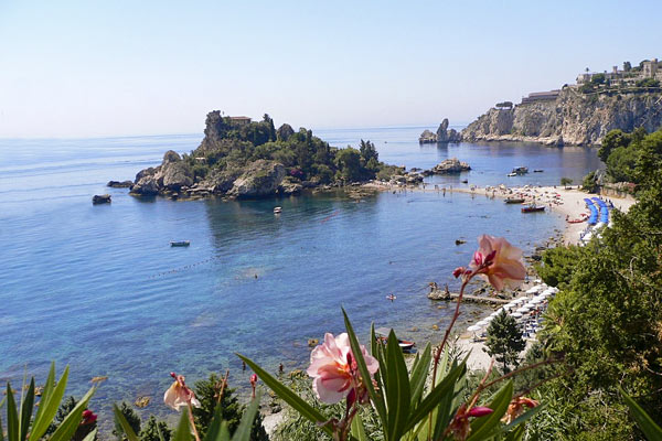 La plage resort taormina isola bella and 75 handpicked for Taormina sicilia
