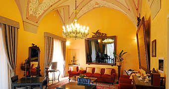 Palazzo Papaleo Otranto Hotel