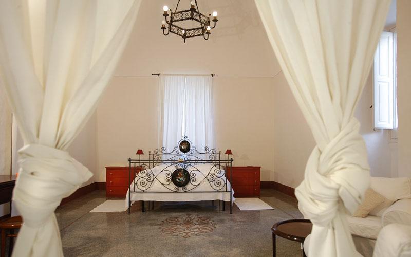 Palazzo guglielmo vignacastrisi and 48 handpicked hotels for Boutique hotel gargano