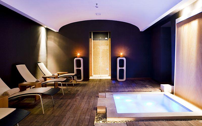 spa tiberio on capri welcome to the pleasure dome. Black Bedroom Furniture Sets. Home Design Ideas