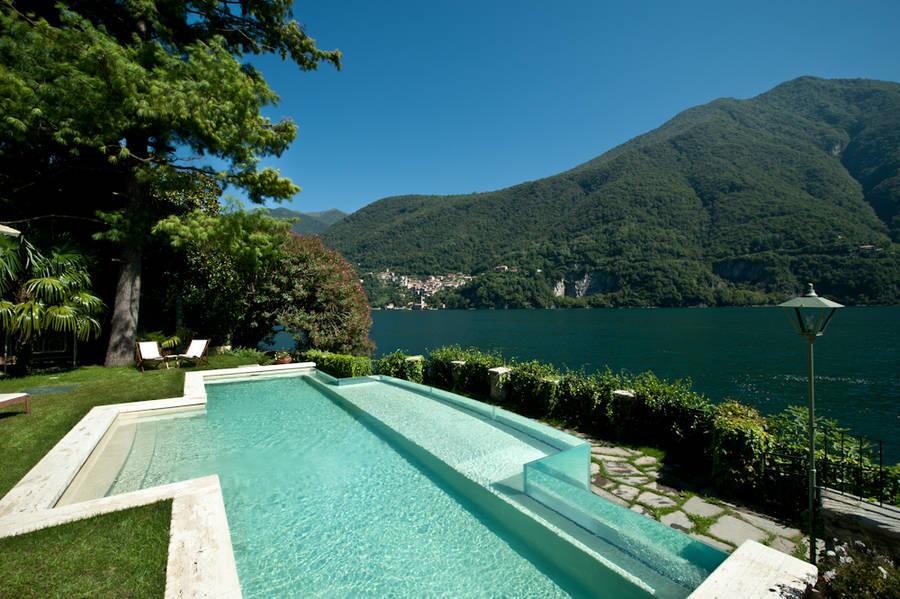 Relais villa vittoria laglio and 27 handpicked hotels in for Garden pool villa