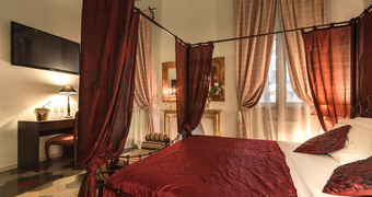 Tolentino Suites Roma Fontana di Trevi hotels