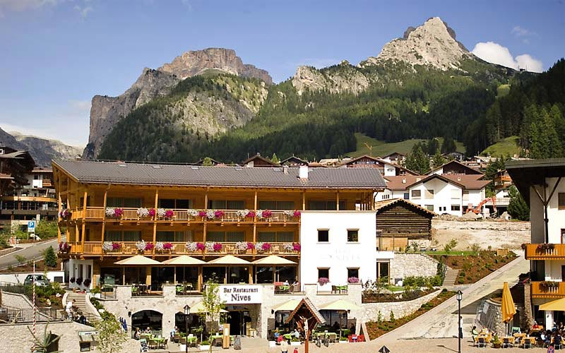Val gardena hotels images italy photo gallery for Design hotel val gardena