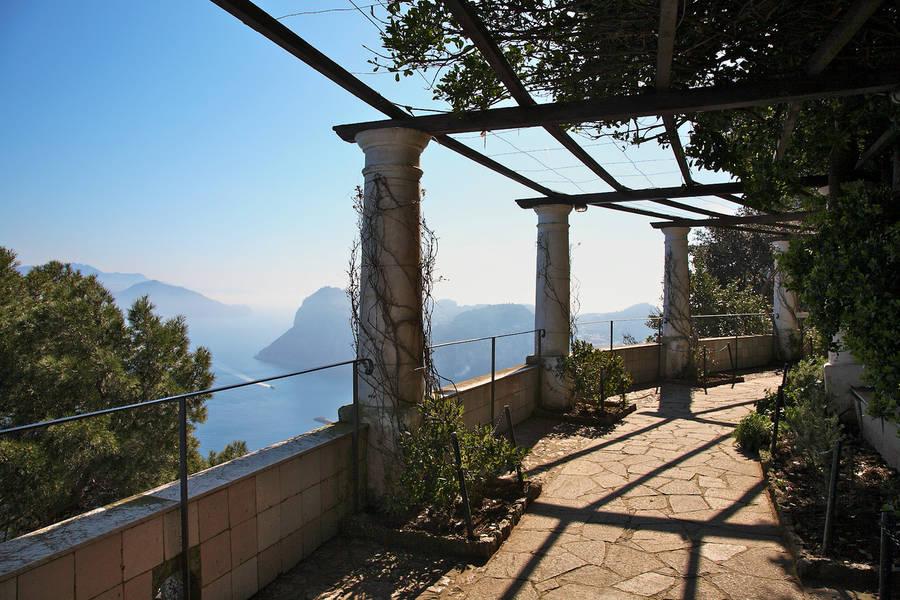 villa san michele on capri. Black Bedroom Furniture Sets. Home Design Ideas