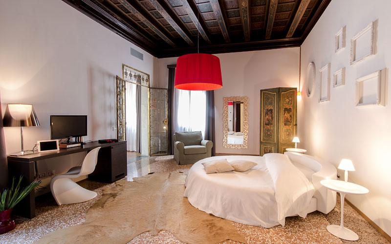 Corte di gabriela venezia and 19 handpicked hotels in for Design hotel venice