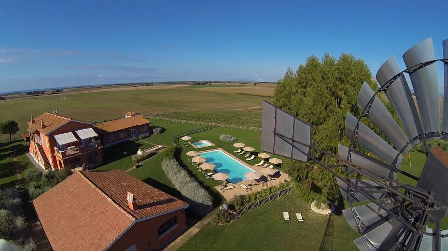 Piani della marina tarquinia and 18 handpicked hotels in for Piani del padiglione della piscina