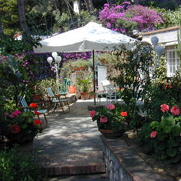 Anneliese B&B Capri