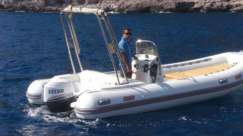 Oasi Motor Boats Excursions by sea Capri