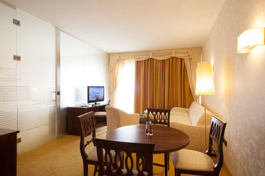 Boffenigo small beautiful hotel garda costermano e for Beautiful small hotels