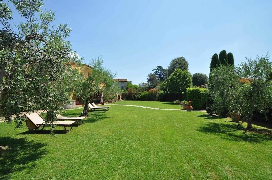 Foto e immagini forte dei marmi hotels photogallery - Il giardino forte dei marmi ...