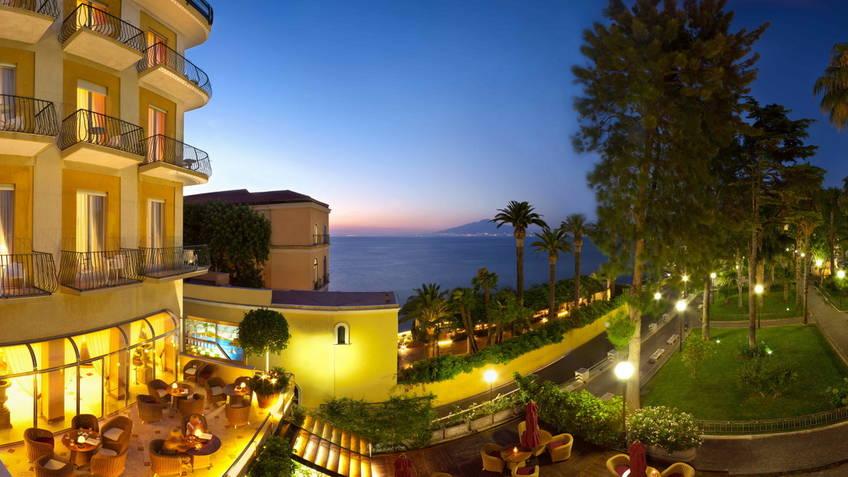 Hotel Continental Hotel 4 estrelas Sorrento