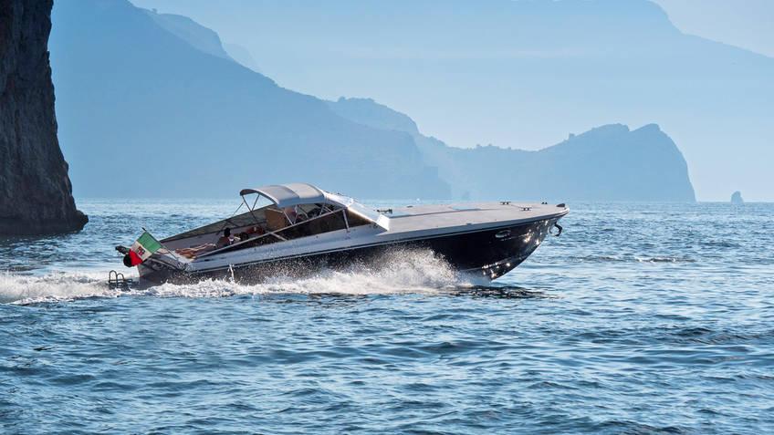 Priore Capri Boats Excursions Excursões marítimas Capri
