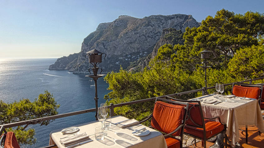 Monz� Restaurants Capri