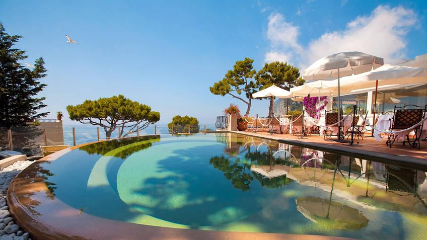 Casa morgano capri 3 reasons to book here capri booking for Luxury hotel 5 stelle