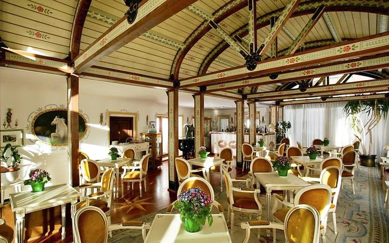 Hotel ancora cortina d 39 ampezzo and 36 handpicked hotels for Ancora hotel