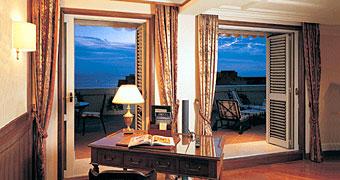 Grand Hotel Santa Lucia Napoli Hotel