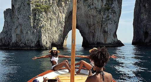 Capri Relax Boats - Half day tour by private gozzo around the Isle of Capri