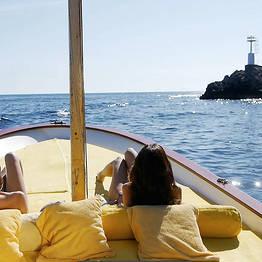 Escursione di 4 ore in gozzo attorno all'Isola di Capri