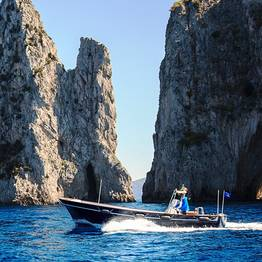 Capri and the Amalfi Coast by lancia boat (10 mt)