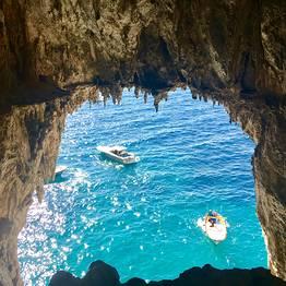 Full day around Capri by gozzo boat (7.80 mt)