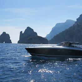 Capri 360 - Transfer da Napoli a Capri con motoscafo privato