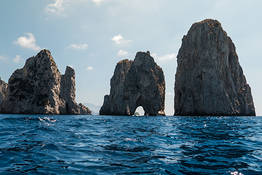 Plaghia Charter - Full-Day Boat Tour of Capri by Aprea 7.50 Gozzo Boat