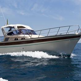 Tour in barca luxury a Capri con Aprea 32