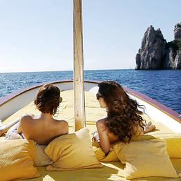 """Tour dell'isola di Capri in gozzo """"Fratelli Aprea 7.80"""""""