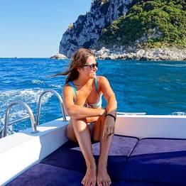 """Meio dia com """"Itama 38"""" ao redor de Capri"""