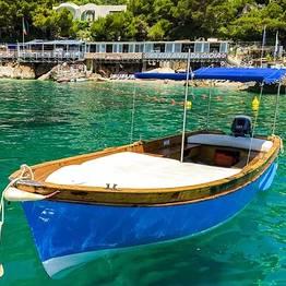 Capri Blue Boats - Rent a Lancia Caprese from Marina Piccola