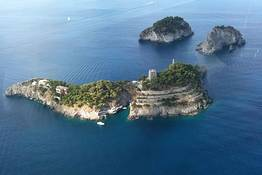Amalfi & Positano Boat Tours - The Divine Coast ride from Capri!