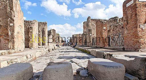 Joe Banana Limos - Tours & Transfers - Pompeii & Herculaneum Stop + Transfer to Sorrento