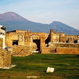 Transfer from Positano to Napoli or viceversa + Pompeii