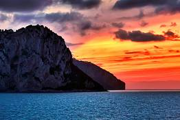 Capri Relax Boats - Faraglioni boat excursion with dinner in Nerano Bay