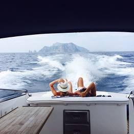 Boat Tour of Capri on a Luxury Itama 38 Speedboat