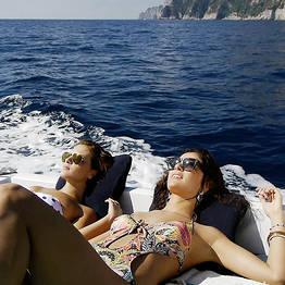 """Dia inteiro ao redor de Capri com lancha """"Itama 38"""""""