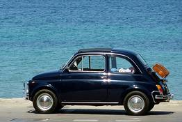 Caprionline - Around the Faraglioni and Blue Grotto in a Fiat 500