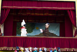 Capri Online - Puppet Show