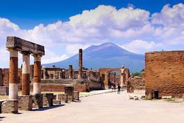 Sorrento Limo Web - Transfer Sorrento-Positano (or vice versa)+Pompeii Tour